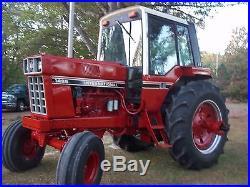 1486 INTERNATIONAL FARM TRACTOR WithCAB