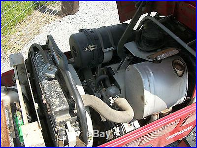 1528 MASSEY FERGUSON 28 HP 4X4 COMPACT DIESEL TRACTOR