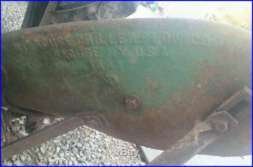 1944 John Deere LA Antique Tractor NO RESERVE good tag
