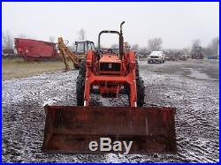 1989 Kubota M6030 Tractor with Front Loader, Creeper gear, 2 remotes, 61HP Diesel