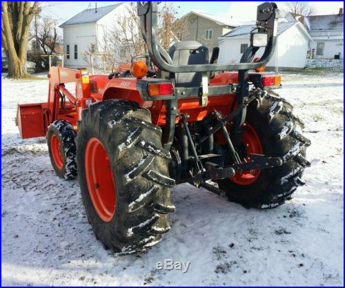 2005 Kubota 4330 tractor 4x4 only 448 hours great condition