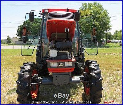 2005 Kubota M6800 4x4 Utility Tractor Farm Ag Cab A/C Heat Aux PTO 3-PT 70 HP