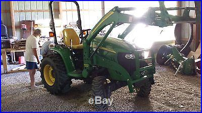 2008 John Deere 3320, 4WD Tractor HP 33 with Hydrostatic