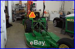 2010 John Deere 2520 with loader, bushog