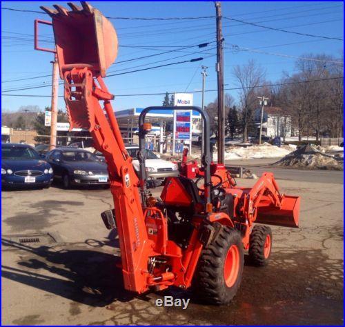2010 Kubota B2620 tractor loader backhoe snowblower package, ONLY 175 Hours