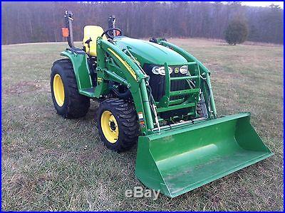 2013 John Deere 3520 4x4 Tractor w/ FEL