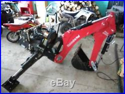 2016 Mahindra Tractor eMax 25 WithBACKHOE HST LOW HOURS