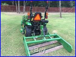 2017John Deere 4X4 1025R Utility Tractor, Front Loader, Flat Plane