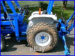 Ford 1700 4WD Tractor with Ford Front End Loader and Backhoe LOW RESERVE