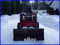 International 284 3 cylinder diesel 30hp 4x4 withloader