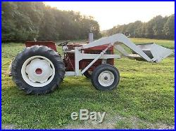 International 444 tractor With Loader