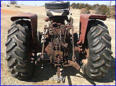 International Farmall 706 diesel tractor runs good but please read description