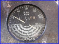 JOHN DEERE 2940 CAB LOADER TRACTOR