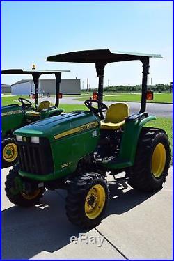 John Deere 3032E Utility Tractor