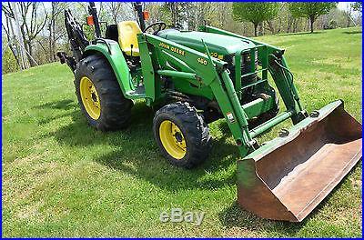 John Deere 4600 Tractor with PowrReverser and 7 ft Backhoe