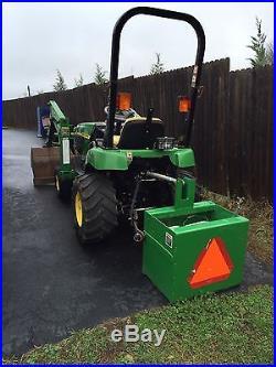 John Deere 4x4 Tractor W / loader Bucket