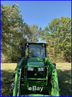 John Deere 5075e tractor 4x4 loader