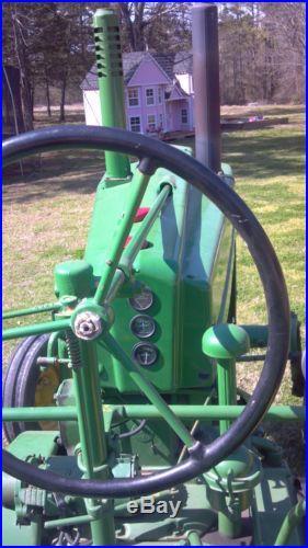 John Deere GW Antique Tractor