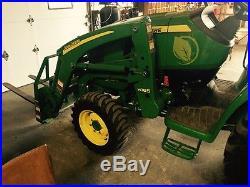 John Deere compact tractor 2015 ONLY 100 hours