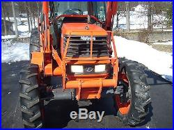 KUBOTA M6800 CAB+LOADER+4X4 WITH LOW HOURS (1,430HRS)! NICE