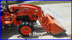 Kubota-Farm-Tractor-With-Loader Tractor Loaders