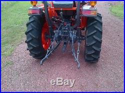 Kubota L2501 tractor loader low hours