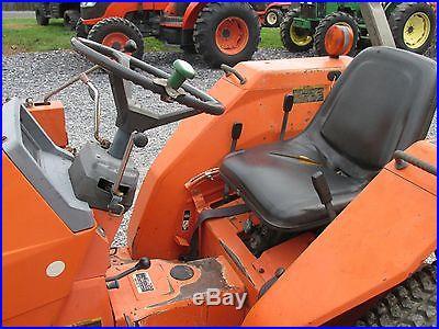 Kubota L2850 4x4 Compact Tractor w/ Loader
