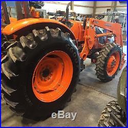 Kubota M7040SU Tractor 4x4 Loader
