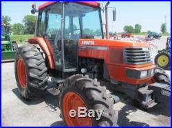 Kubota M8200 Diesel Farm Tractor With Cab & 4X4