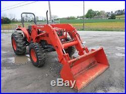Kubota M9000 Tractor WithKubota LA1251 Loader, 114 Original Hrs, 4x4, 92 HP Diesel