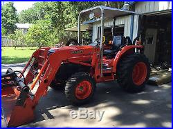 Kubota Tractor, GST 4X4, Less than 400 hours, Several Attachments