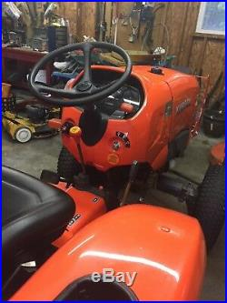 Kubota tractor L3301 2014. 560 hours. 4 WD excellent condition