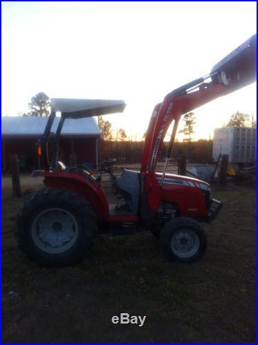 Massey Ferguson 1652 tractor. 52 horse power. Hst trans. 4x4 w/loader