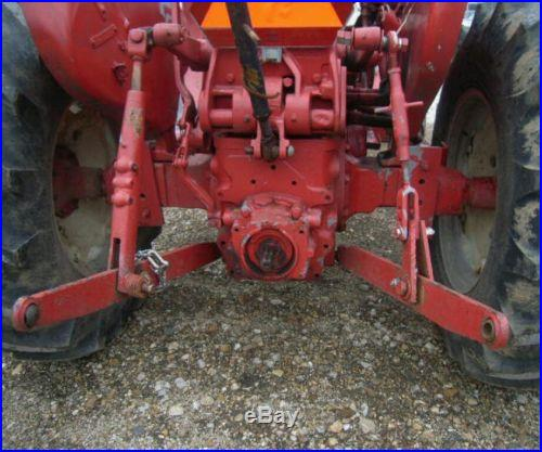 NO RESERVE 1964 IH 504 G Tractor w/ loader