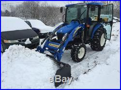 New Holland Boomer 3045 Compact farm utility tractor 4WD Cab Loader heat 130hrs