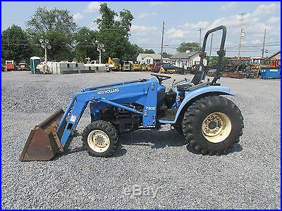 New Holland TC25D 4x4 Compact Tractor w/ Loader